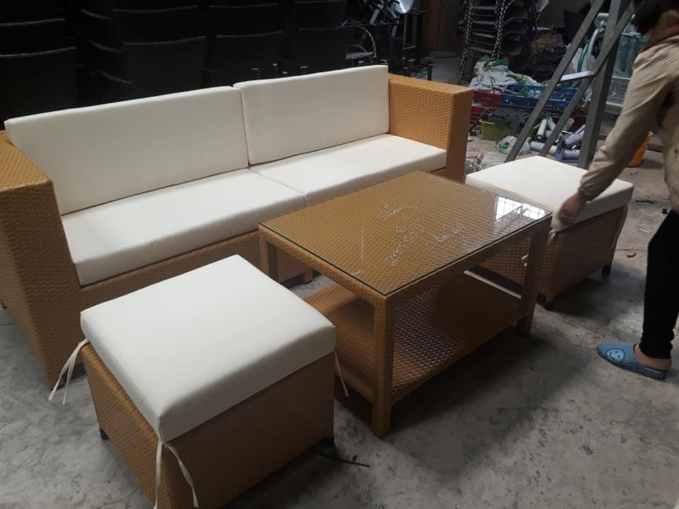 sofa vàng sũa